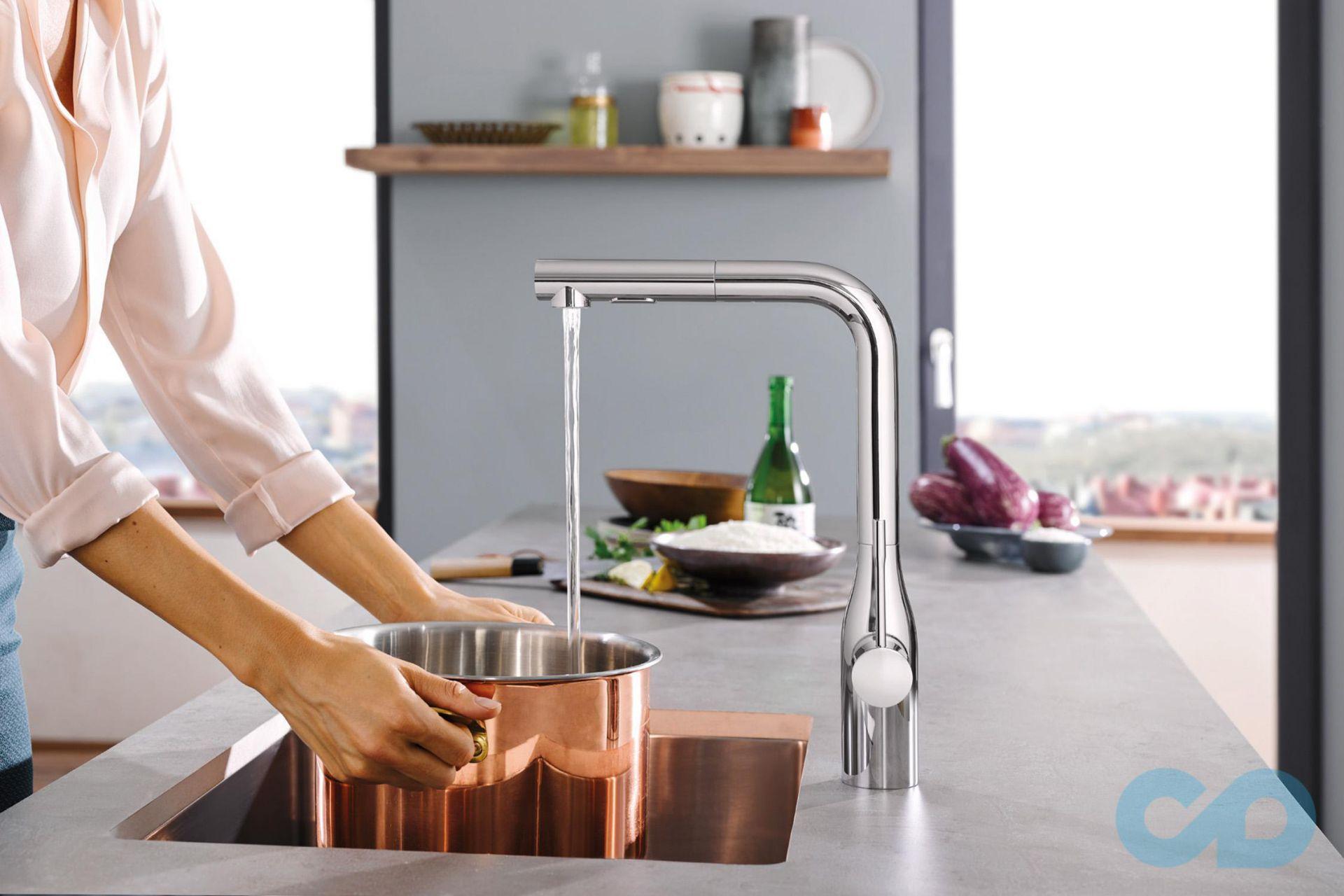 кухонный смеситель Grohe Essence Foot Control 30311000 сенсорный